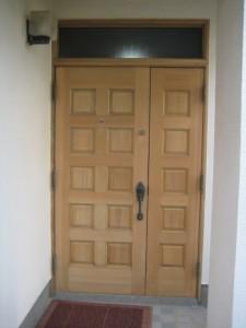 木製玄関ドア剥離後