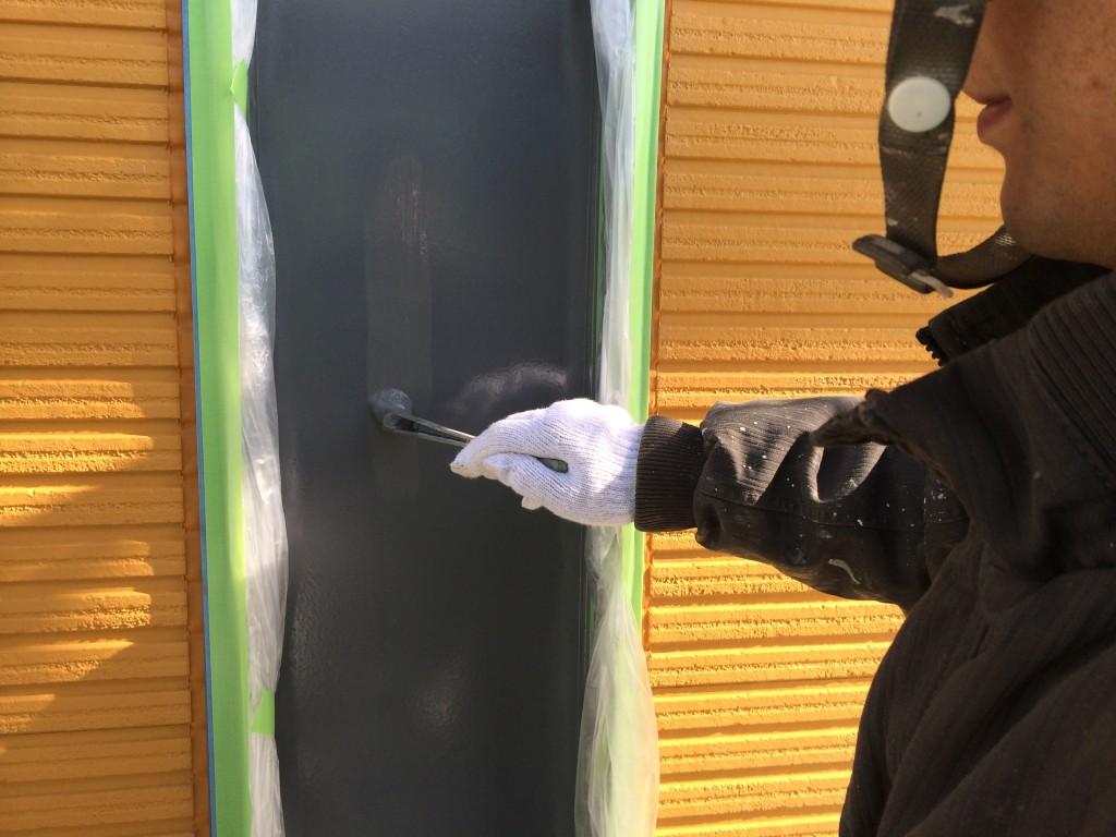シンナー塗料の塗装風景