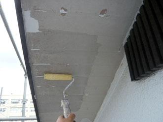 軒天吸い込み止め塗布