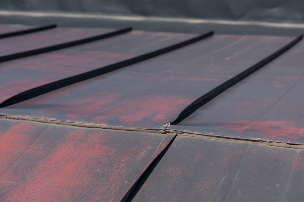 雨漏り屋根修理