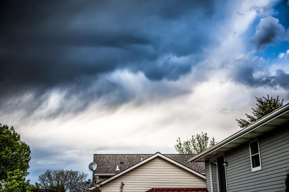 雨の日の外壁塗装で起こるトラブル